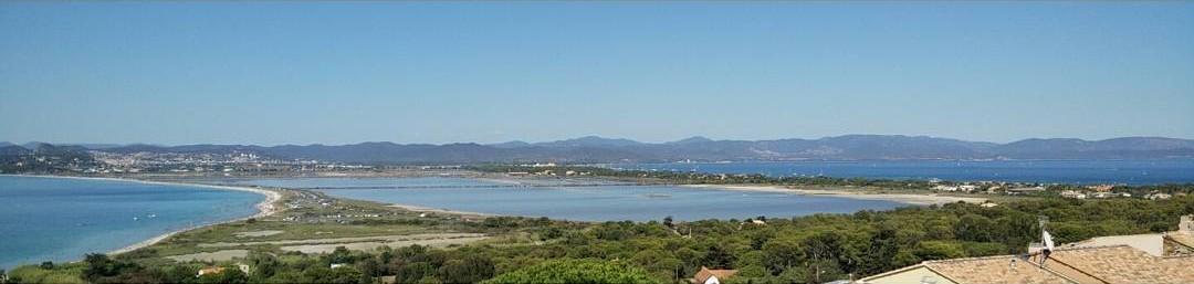 Presqu'île de Giens mit Blick auf La Capte und Hyeres
