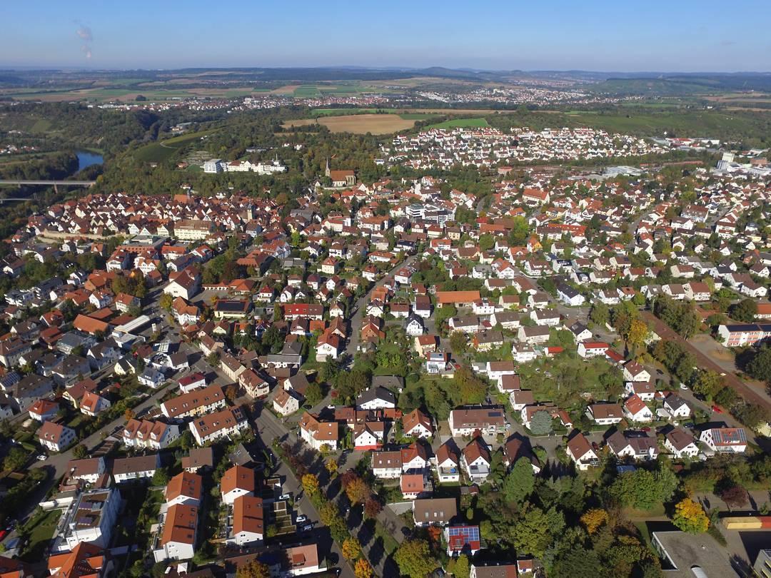 am Neckar aus 150 Metern Höhe
