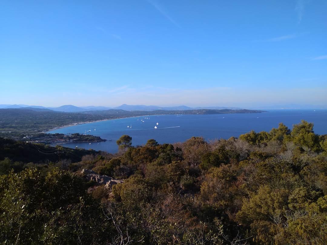 Pampelonne Bucht vom Leuchtturm von Cap Camarat
