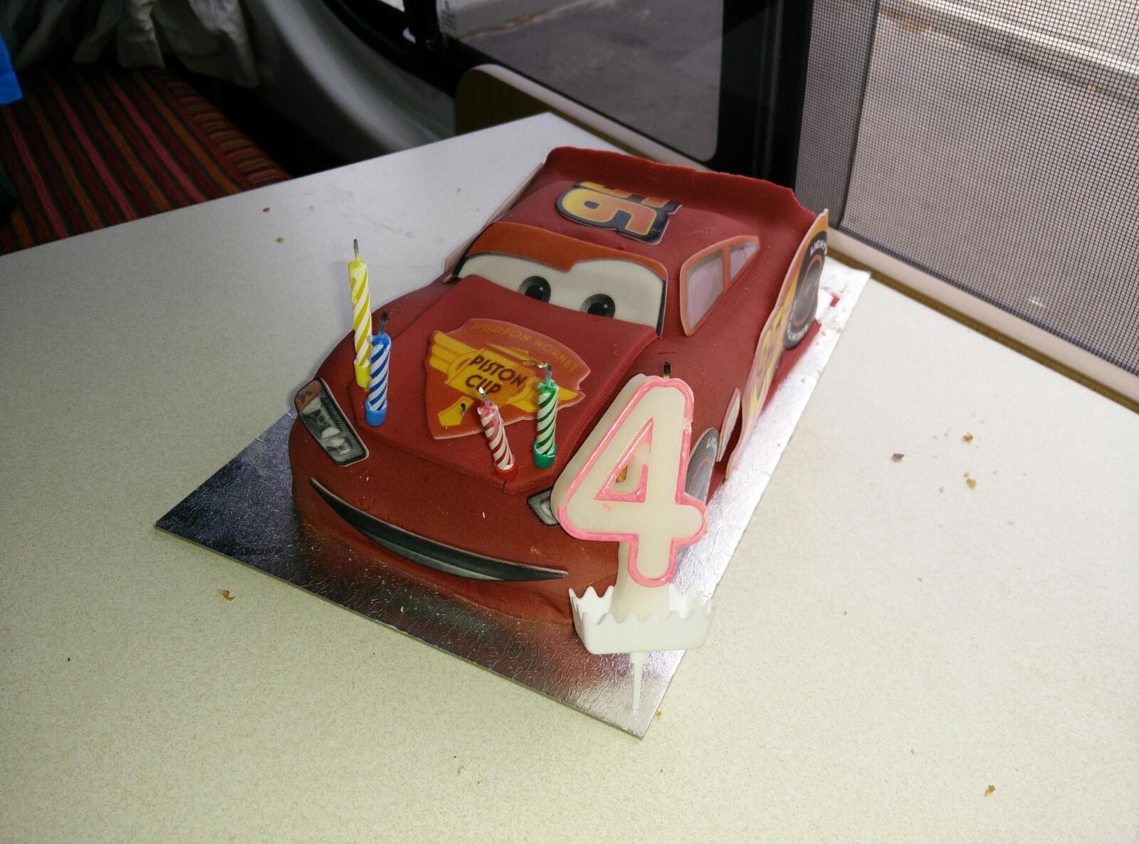 Cars Lightning McQueen Geburtstagskuchen