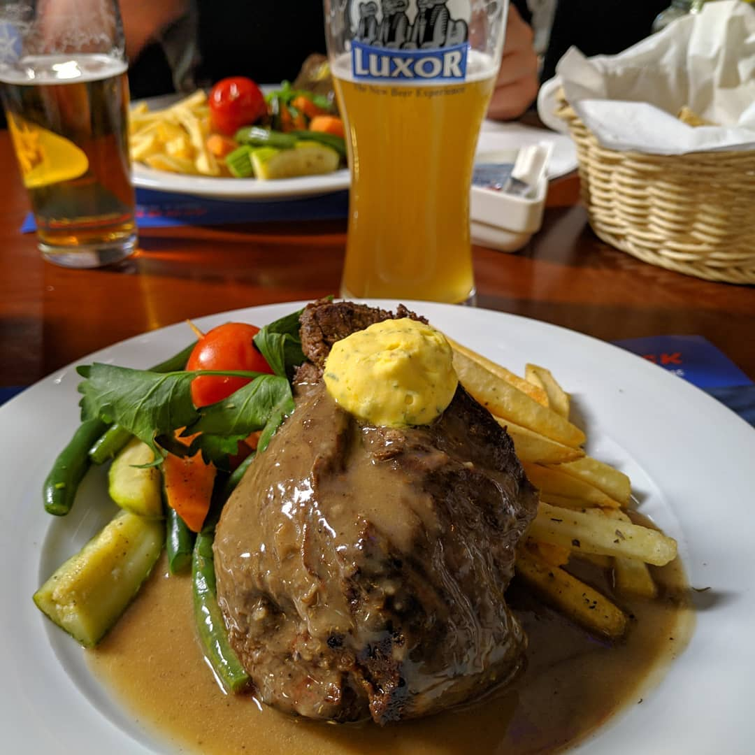 Camel Steak 300g, medium, superlecker